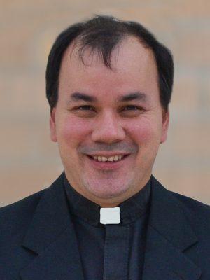 Betancourt, Cesar (Rev.)