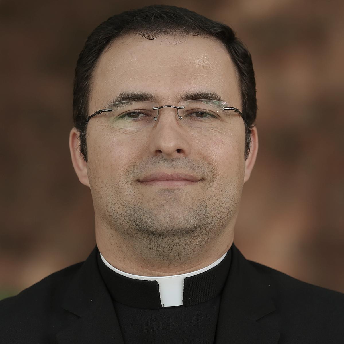 Gomez, John (Fr.)
